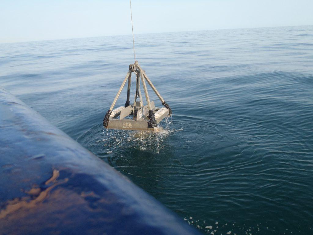Grab sampling at sea